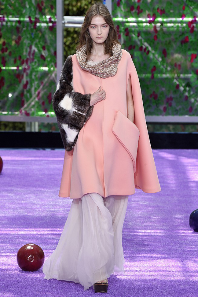 Haute couture autumn winter 2015 fashion show by dior it for Haute official