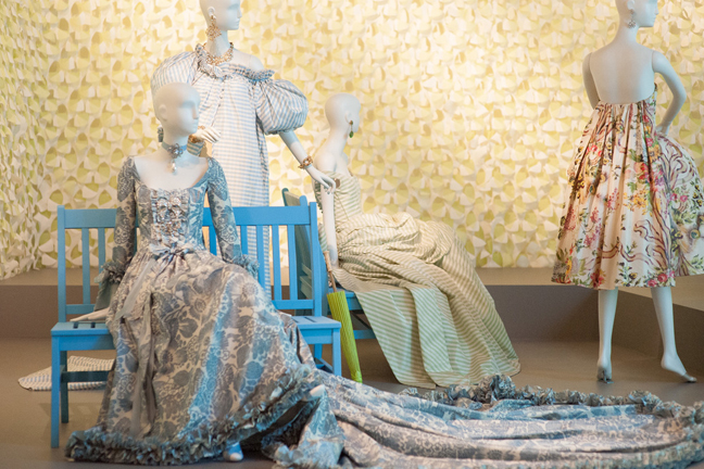 Oscar de la Renta: The Retrospective at Herbst Exhibition Galleries