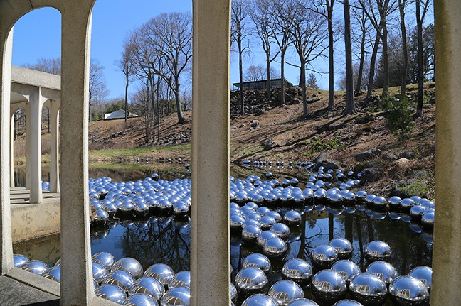 Yayoi Kusama: Narcissus Garden