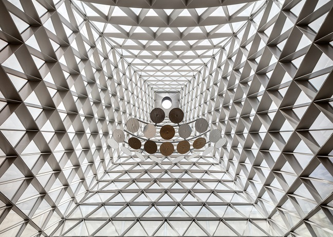 Oblique glass pyramid by SOM