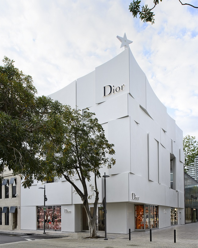 Dior boutique by Barbarito Bancel Architectes