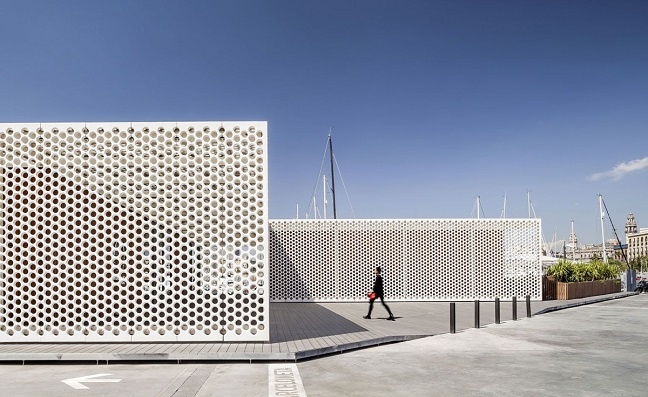 Port vell marina s perforated white screens by scob for Oneocean club barcelona