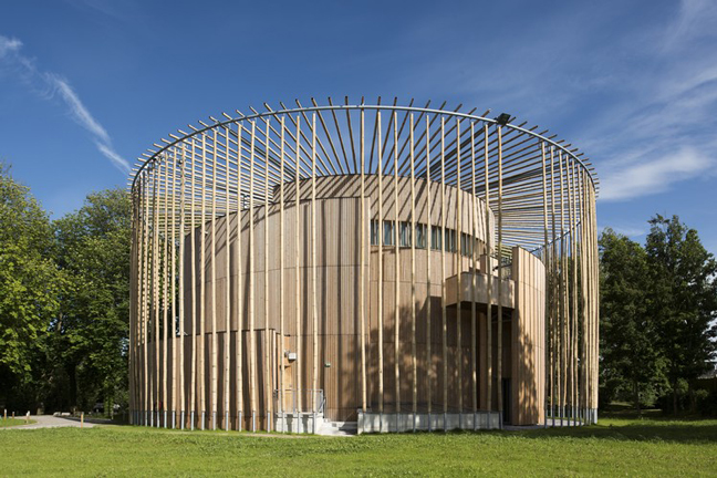 Wooden theatre by Studio Andrew Todd