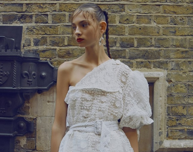 Simone Rocha subverts sacramental dress for SS17