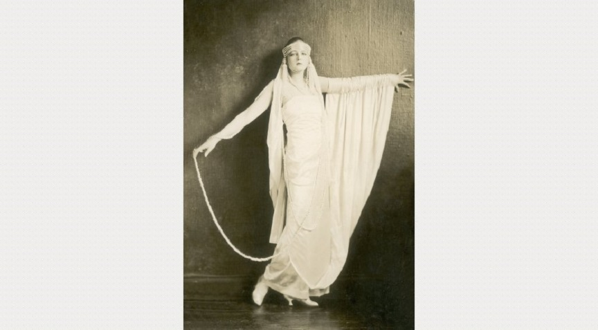 1920s JAZZ AGE Fashion & Photographs