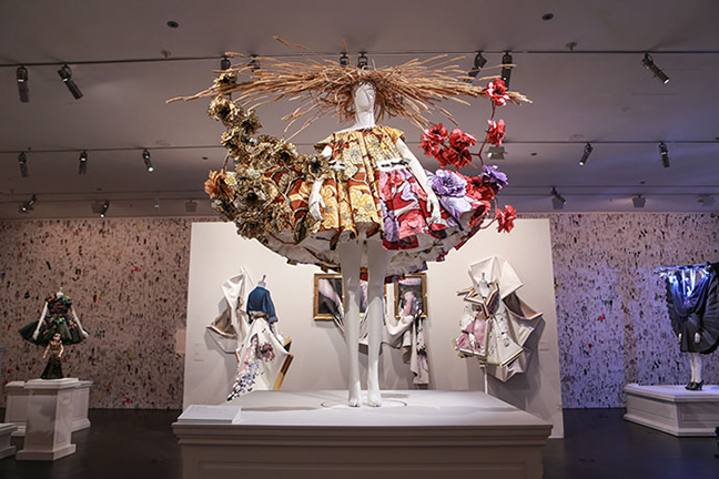 Viktor&Rolf: Fashion Artists at NGV