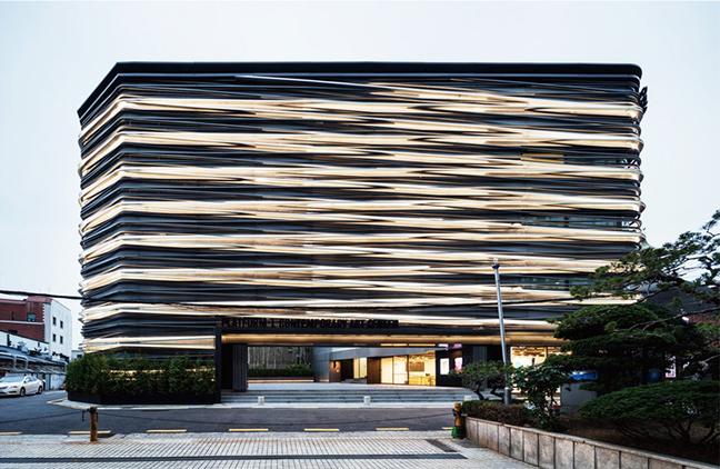 Platform-L Contemporary Art Center by JOHO Architecture