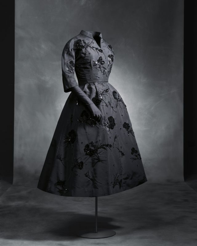 Coal and velvet. Views on popular costumes by Ortiz Echagüe and Balenciaga_004