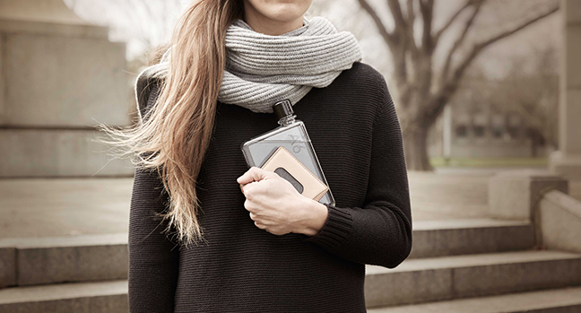 The memobottle™ combines minimalist, sustainable design with everyday functionality