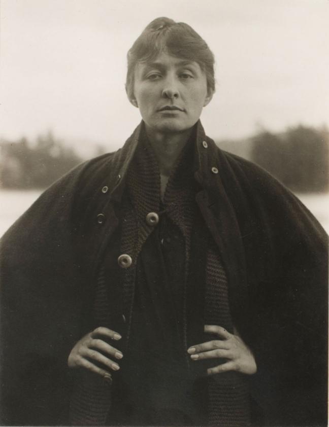 Georgia O'Keeffe: Living Modern_003