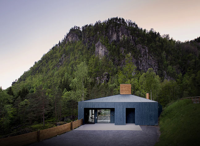 Rever & Drage Architects perches Kvåsfossen Visitor Center on a clifftop