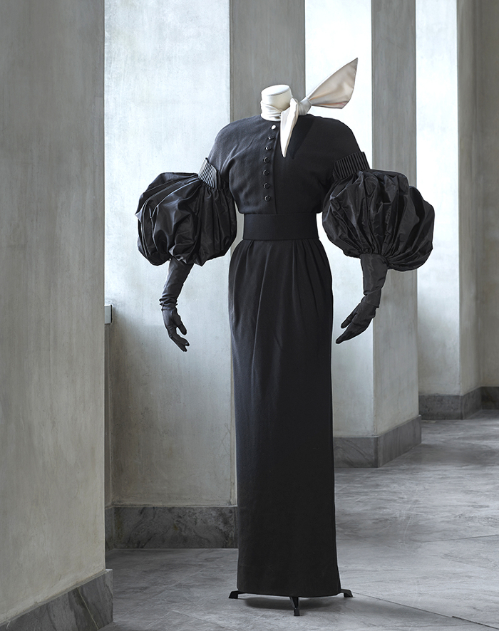 I AM BLACK VELVET / ERIK MORTENSEN - HAUTE COUTURE_001
