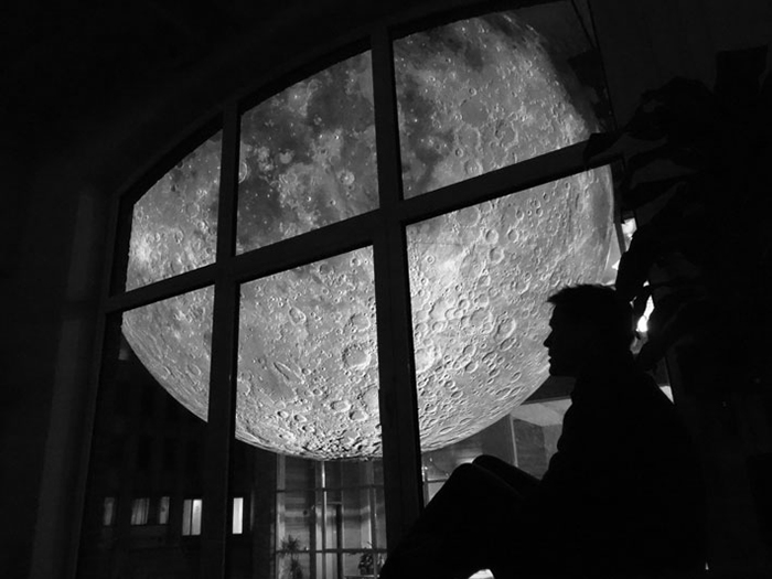 Luke Jeram- The Moon_Tec-Art