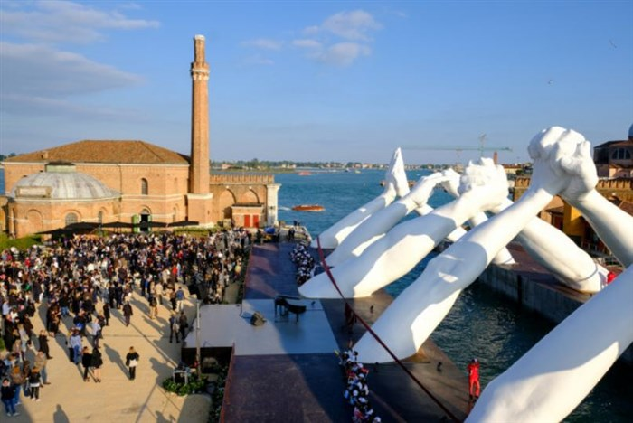 Lorenzo Quinn brings monumental Building Bridges sculpture to Venice Biennale with a  message of world unity and peace