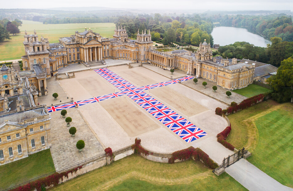 VICTORY IS NOT AN OPTION - MAURIZIO CATTELAN AT BLENHEIM PALACE