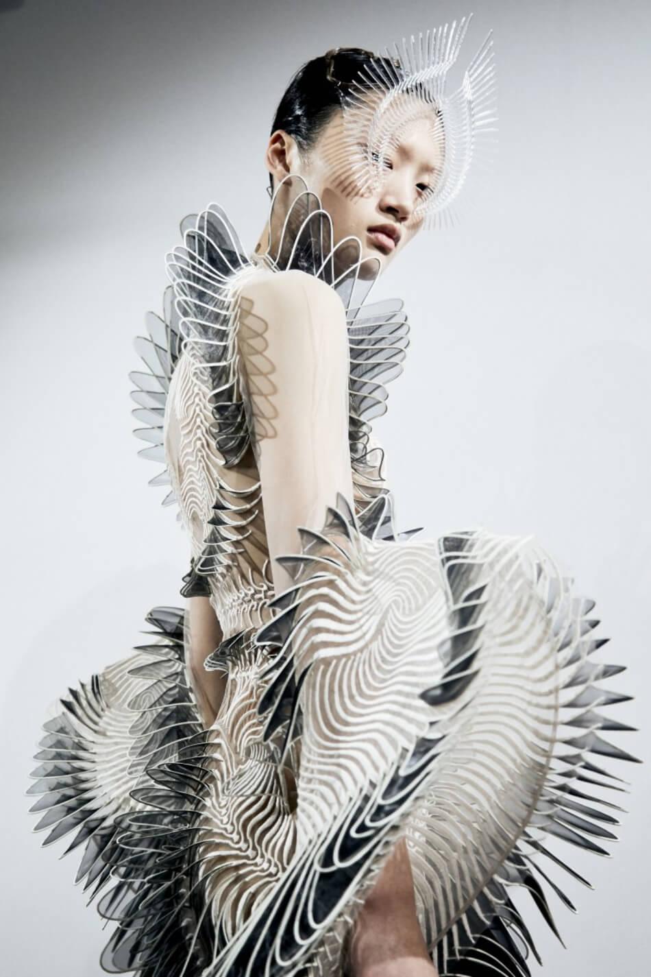 Iris Van Herpen 03