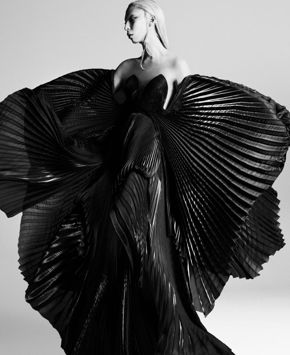 Iris Van Herpen 08