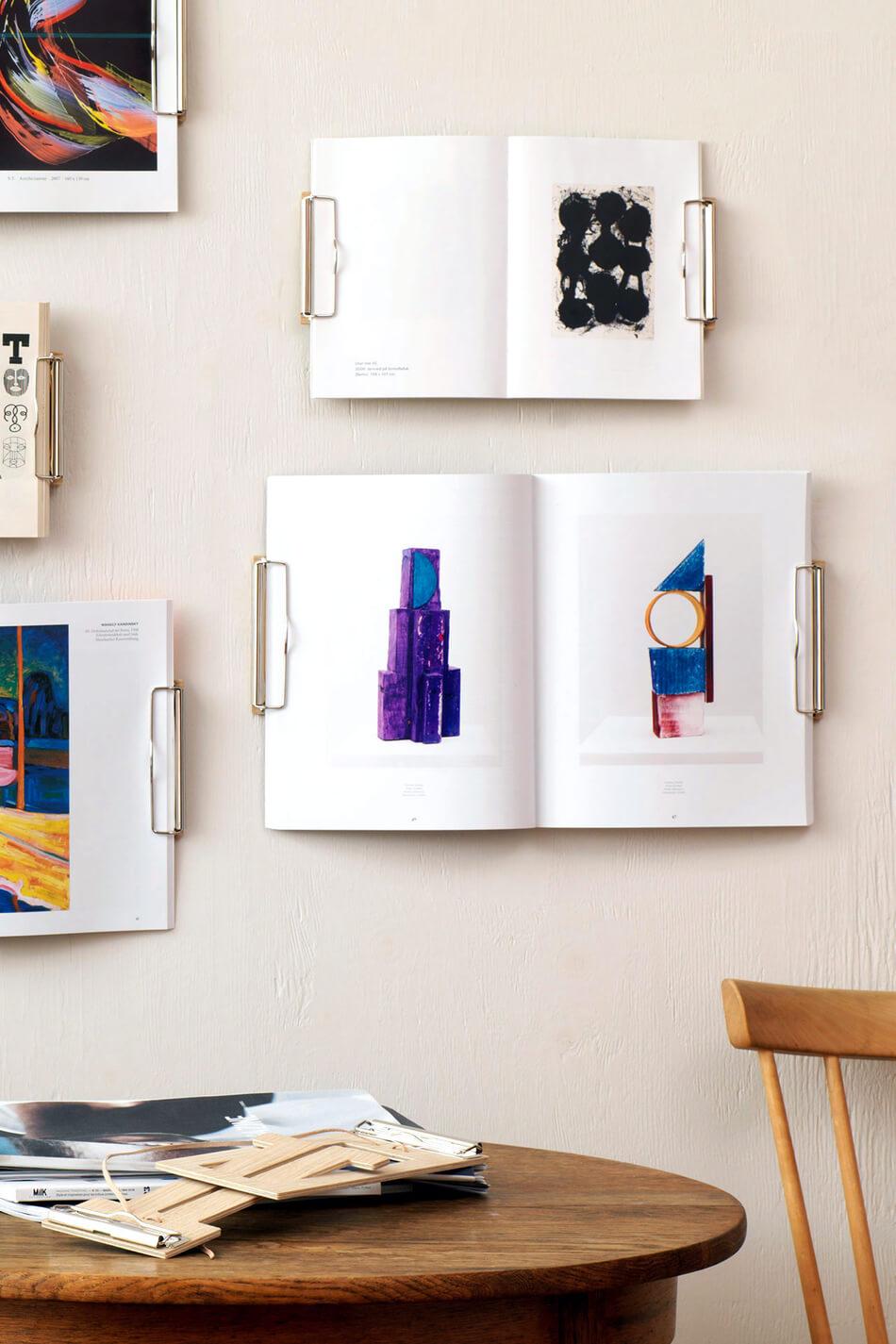 Magazine Wall Hanger 002
